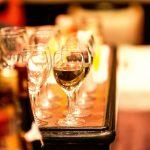 お酒を飲むと体臭が強くなる?アルコールとワキガの関係